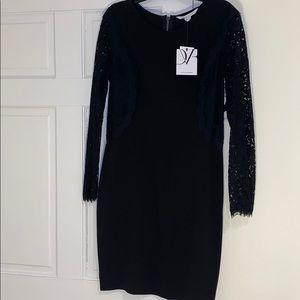 DIANE vonFURSTENBERG lace little black dress w/zip